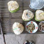 Kokosnüsse (die besten, die ich je hatte), gekochte Peanuts und Sü?kartoffel
