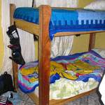 Mein Bett (das untere) mit dem suessen Poo-Baer-Bezug
