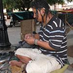 Oscar, einer der artisanas im Parque Central