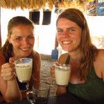 Tine und Tona tranken Milchkaffee...