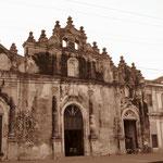 Iglesia de la Merced auf der anderen Seite