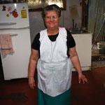 die Oma Doris... die ist so geil, lacht sich die ganze Zeit nur kaputt...
