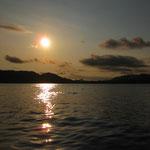 Sonnenuntergang ueber Tambor Bay