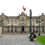 Palacio de Gobierno, Regierungssitz von Peru, schwer bewacht!!!