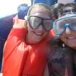 Dann haben wir uns - zur großen Belustigung des ganzen Bootes - die Taucherbrillen aufgesetzt!
