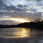 Anfahrt über den Fluss Pacuare