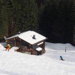 Almtour – Unser Experiment Schneeschuhe, Snowboard und Tourenski unter einem Hut zu bringen, ist gelungen!