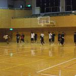 一日目の午前中は雨で体育館練習でした。