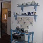 Reste der hist. Fliesenwand in der Wohnküche