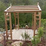 Pergolas sur mesure en pin avec terrasse en mélèze