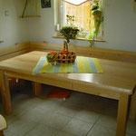 Tisch in Ahorn mit Besteckschublade