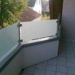 Balkonsichtschutzglas mit Edelstahlstützen