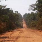 Von Rurrenabaque nach Cobija. Im Urwald gibt es auch für uns noch mehr Staub