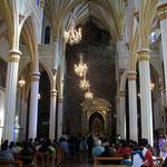 Im Innern der Felsenkirche von Las Lajas in Kolumbien