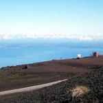 Übernachtungsplatz am Fusse des Vulkans Osorno. Neben dem Restaurant und der Sesselbahnstation