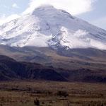 Den Cotopaxi besteigt Margrit ich nur einige hundert Höhenmeter. Oberhalb der Schneegrenze auf 4800 Metern, musste sie alle paar Schritte nach Luft schnappen