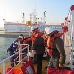 Auf dem Weg zum Rettungsboot