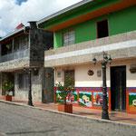 Das Dörfchen el Penol ist sehr schön restauriert und am Wochenende von vielen Medellinern besucht
