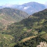 Beim Frühstück diese Aussicht - auf dem Weg ins bolivianische Tiefland