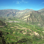 Im peruanischen Hochland hat es in bewohnten Gebieten Terrassenfelder