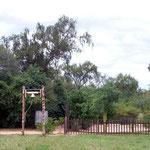 Rosaleda hat auch ein kleiner Friedhof mit Glocke und ein Dorfladen als Treffpunkt. Davon haben wir leider kein Foto