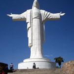 Der 40m hohe Cristo de la Concordia auf dem Hausberg von Cochabamba