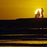 Sonnenuntergang bei der Walbeobachtung auf der Halbinsel Valdés.