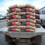 Durch die dreimillionen Stadt Guayaquil. Wo bleibt die Ladungssicherung?