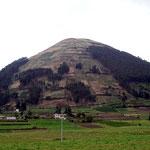 Kleiner Vulkan auf 4100 Meter der bewirtschaftet wird