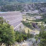 Die Staumauer im argentinischen Trevelin
