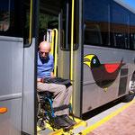 Rollstuhlgerechte Busse in Brasilien. Wenn sie funktionieren eine sehr gute Sache. Sonst lassen sie uns stehen und verweisen auf den nächsten Bus, der auch nicht funktioniert