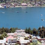 An der schmalsten Stelle bei San Pedro de Tiquina, muss der Titicacasee mit Flossen überquert werden