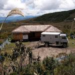 Auf 3600 Meter das Refugio Azufral. Die 400 Höhenmeter Aufstieg zum Kratersee sind nicht steil