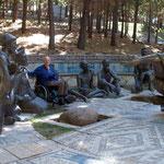 In Junin de los Andes besuchen wir an Ostern einen religiösen Skulpturenweg