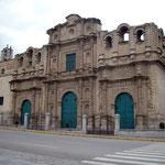 Kathedrale von Cajamarca aus Vulkangestein, Bauzeit 16. Jahrhundert bis 1960