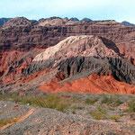 Auf der Ruta 68 zwischen Cafayate und Salta gibt es sehr eindrückliche Felsformationen.