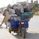 In Peru wird auf den dreirädrigen Mototaxis alles transportiert
