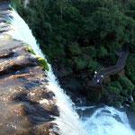 Es hat schöne Stege auf denen auch wir mit dem Rollstuhl die Iguazu Wasserfälle besichtigen können
