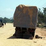 Lastwagen mit Problemen sieht man oft auf der Strecke