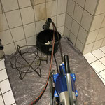 Elektromechanische Reinigung des Rohres