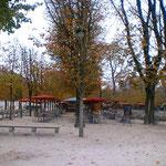 ルーブルの側のオルリー公園、オープンカフェもあり寛ぎますオススメ