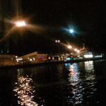 夜ついてダウンタウンの宿は満員だったので、急遽離れ小島のHotelへ