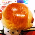 これはお馴染みソーセージパン、うっすら甘いパン生地がソーセージとあうね