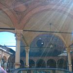これはボローニァの街の風景、光の加減がキレイ