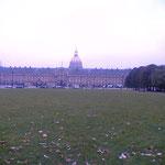 オランジェリー美術館の外観、適度な大きさで見やすい、