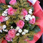 PARISの街のお花屋さん✿