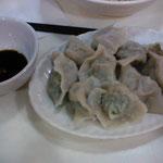これが水餃子ね、種類も多くて肉の旨味たっぷりね、香港人も皆さんご存知のお店