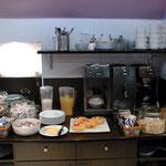 宿の朝食、この時は誕生日の時の旅行でいつもよりはランクアップ☆のプチホテルでした