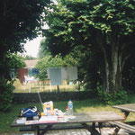 ここは安宿の中庭ね、ここでいつもピクニック気分でランチしながら絵を描いてた、幸せだったわ~んw