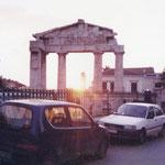これはアテネの街の移籍、プラカの近くの場所